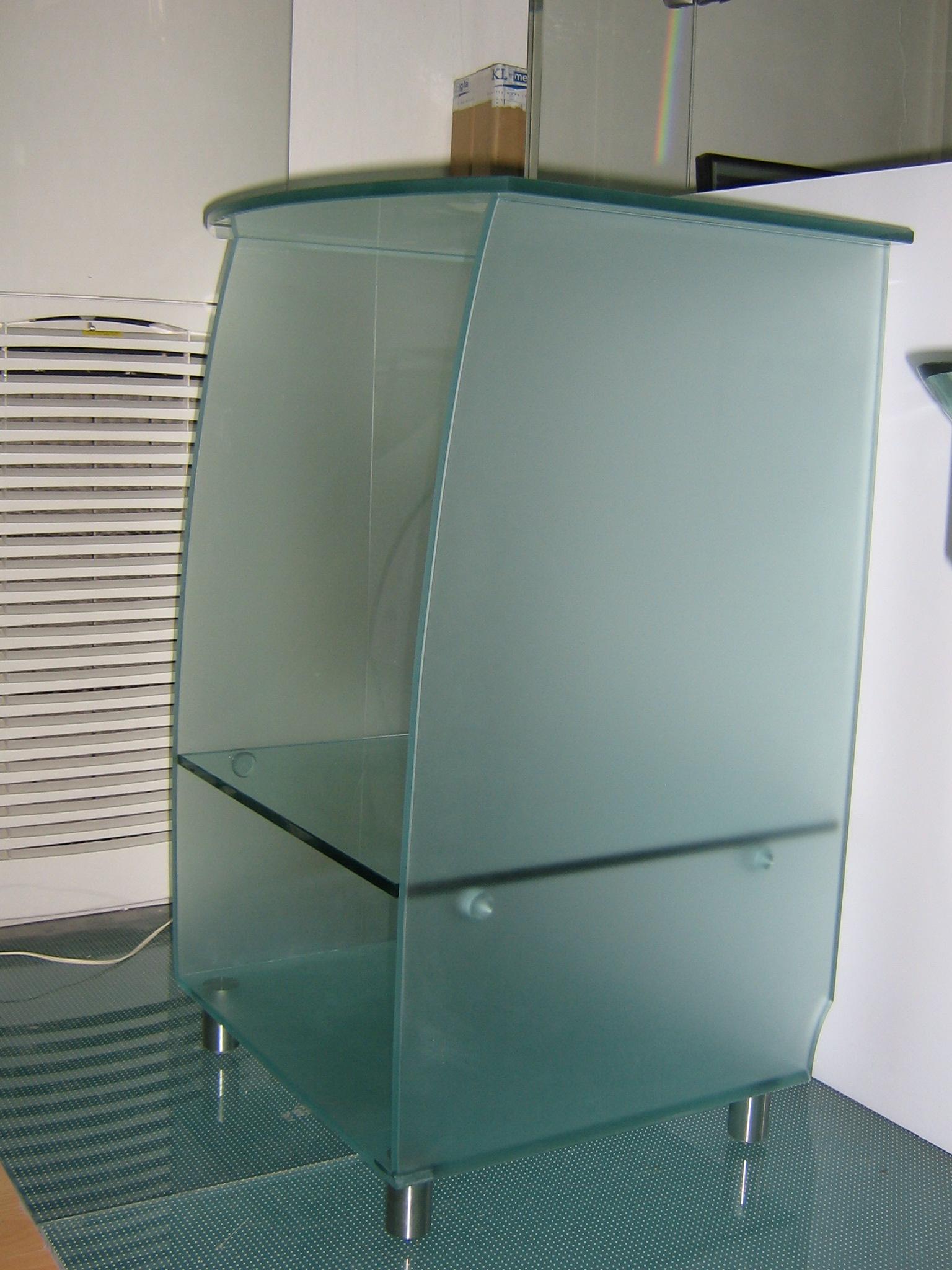 Βοηθητικό γυάλινο τραπέζι