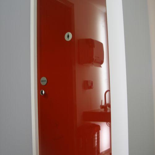 Εσωτερική πόρτα κόκκινη Νο 8