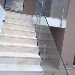 EXTERIOR STAIRCASE GLASS RAILING