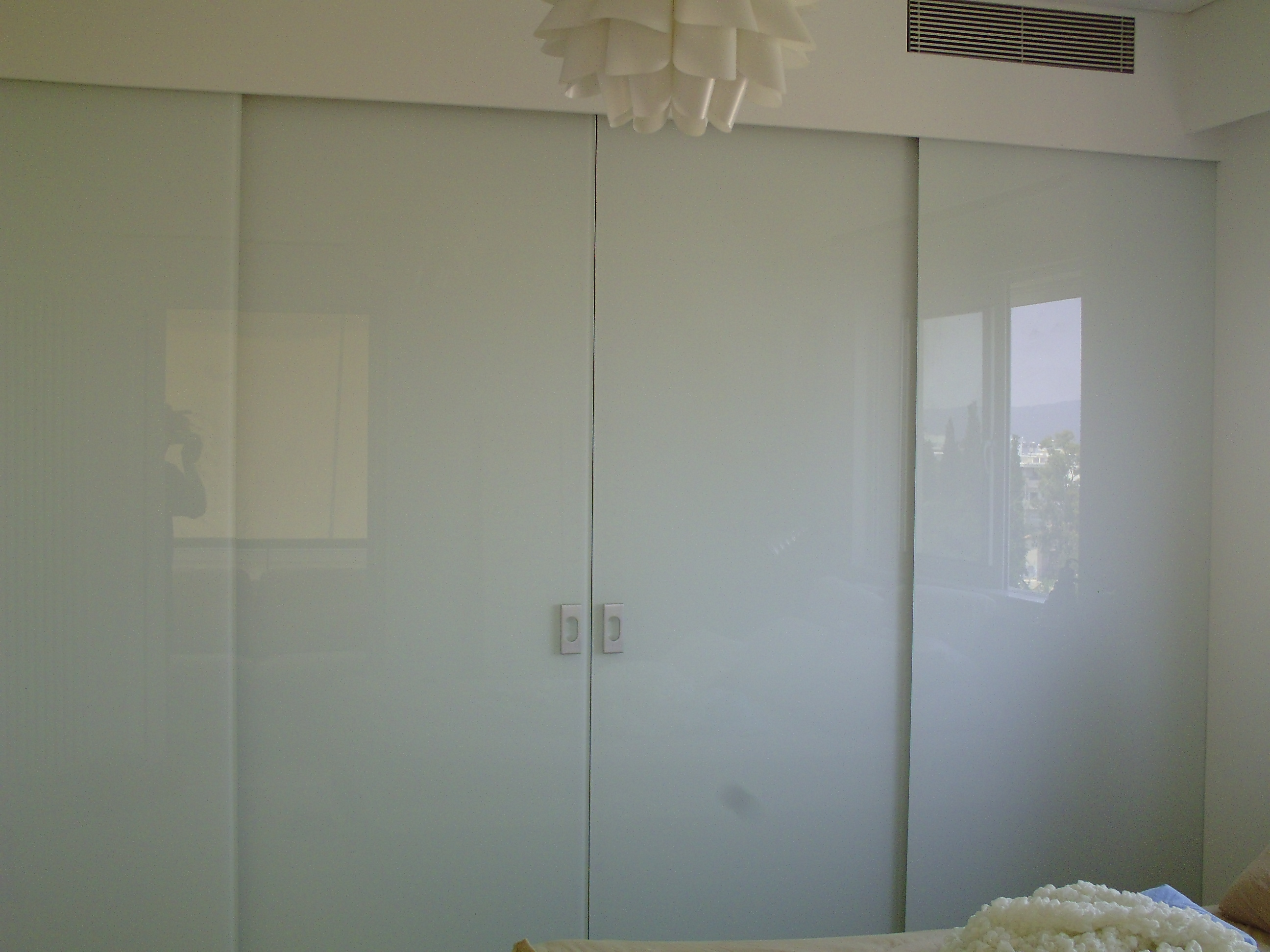 Γυάλινη χρωματιστή πόρτα Νο1